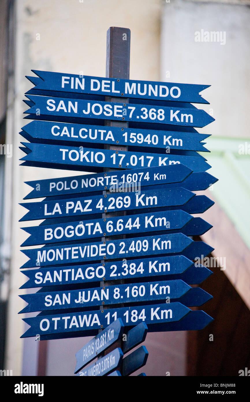 Argentina Südamerika Amerika March 2009 Tierra del Fuego Ushuaia city Signs post signpost directions destinations Stock Photo
