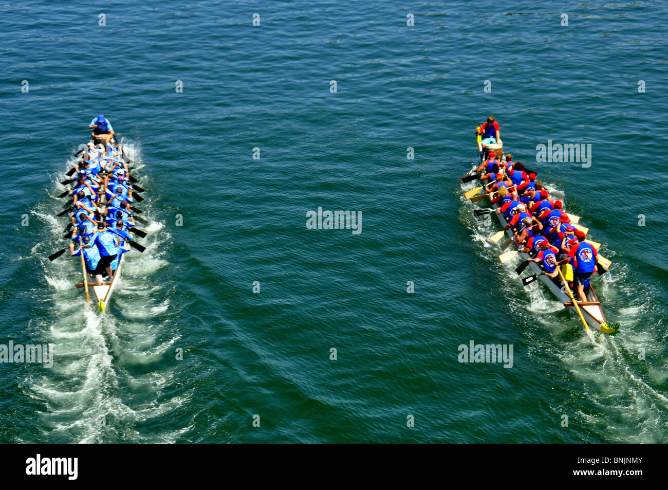 Team Sport Boat China Competition Race Water Healthy Dragonboat Dragon Boat Harbor Harbour River Lake Fast Traditional - Stock Image