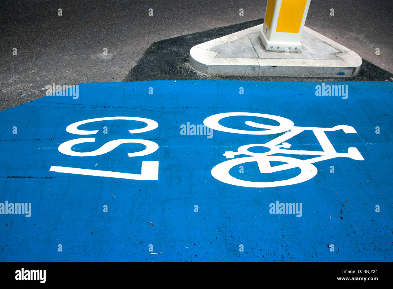 Cycle Superhighway bike lane, London - Stock Image
