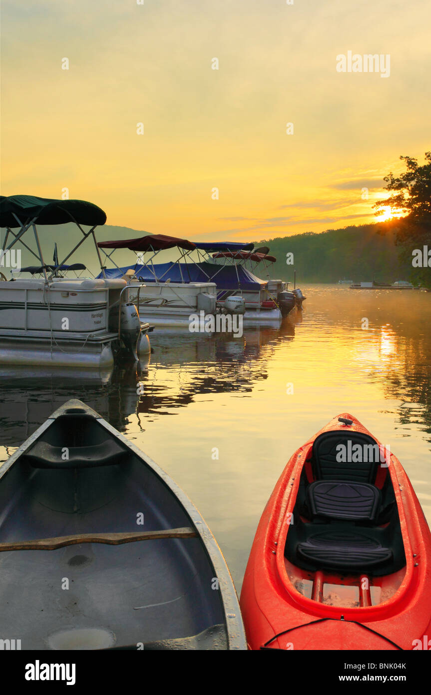 Sunrise at Silver Tree Marina on Deep Creek Lake, Thayerville, Maryland, USA - Stock Image