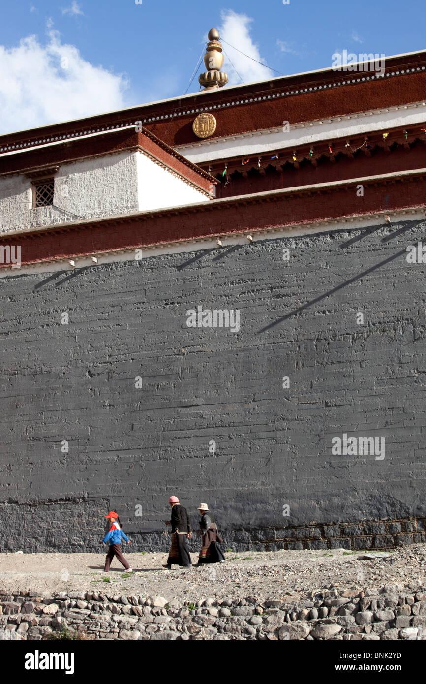 Sakya Monastery in Sakya, Tibet - Stock Image