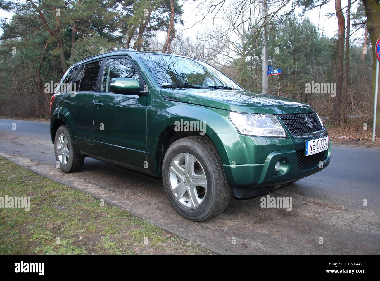 Suzuki Grandvitara 2 4 4x4 My 2009 Fl Green Metallic Japanese Stock Photo Alamy