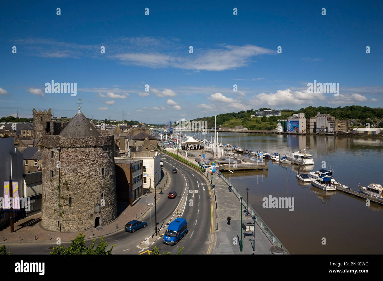 View of 11th Century Reginald's Tower housing the Waterford Viking Museum and the Quays from the Tower Hotel, - Stock Image