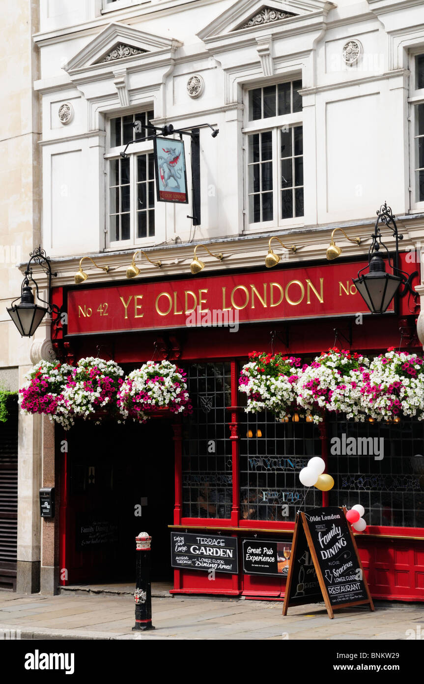 Ye Olde London pub in Ludgate Hill, London, England, UK - Stock Image