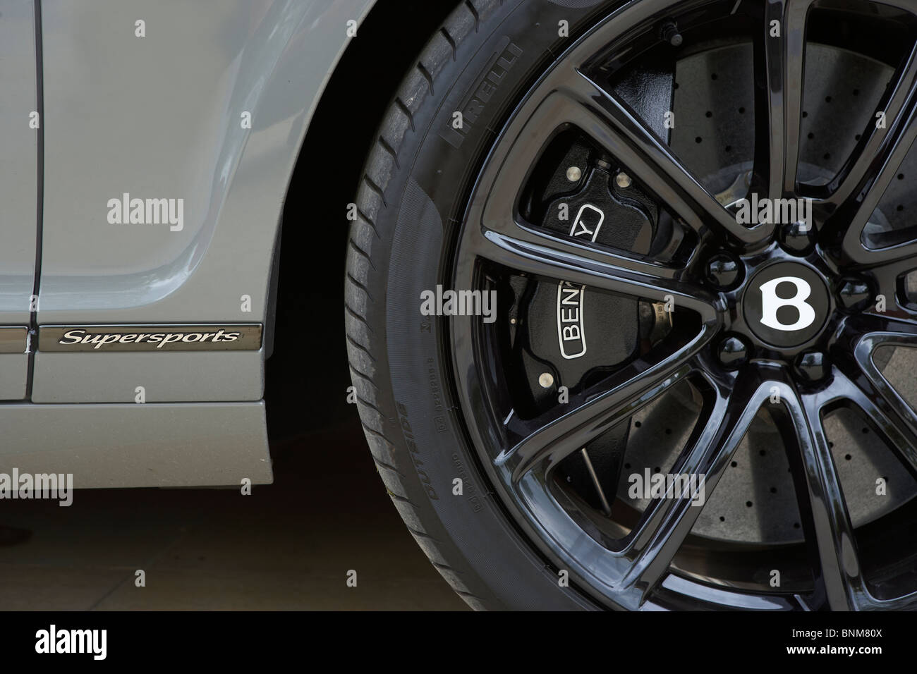 BENTLEY TURBO SPORTS CAR ALLOY WHEEL BADGE LOGO - Stock Image