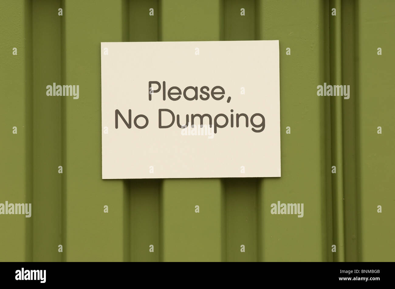 Sign that says 'Please, No Dumping' - Stock Image