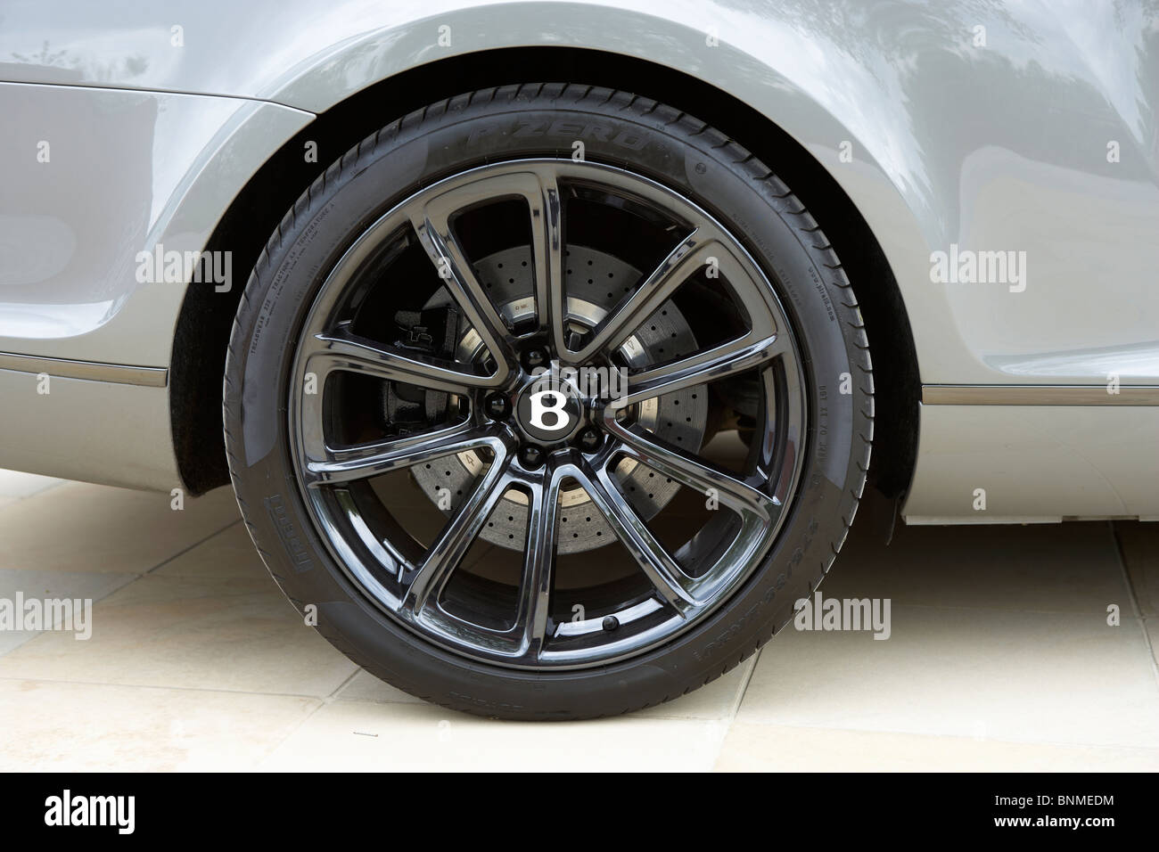 BENTLEY TURBO SPORTS ALLOY WHEEL BADGE LOGO - Stock Image