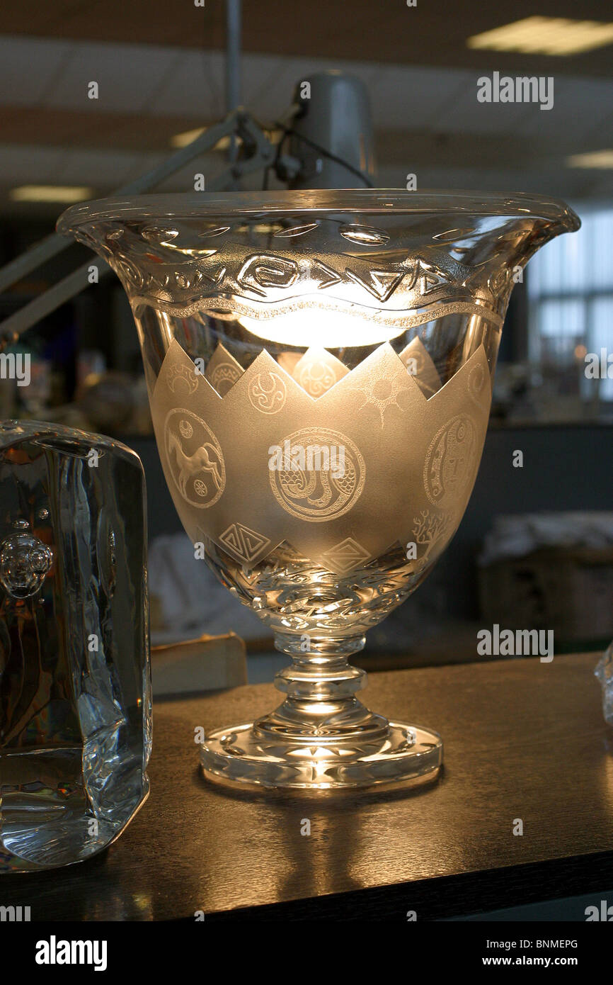 Ireland, Waterford, Waterford Crystal Factory Visitor's Centre, engraved glass - Stock Image