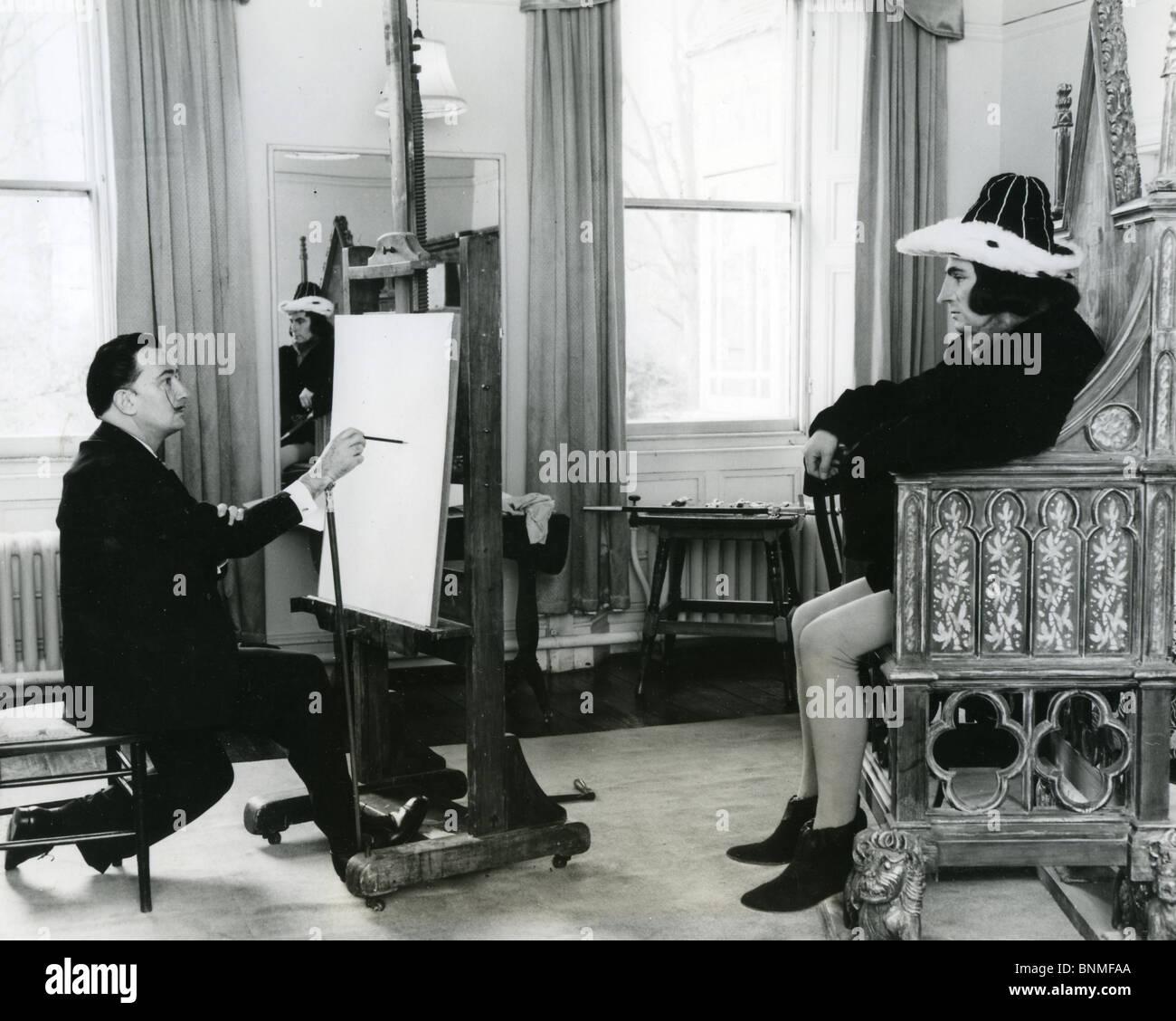 SALVADOR DALI  (1984-89) Spanish artist drawing Laurence Olivier as Richard III Stock Photo