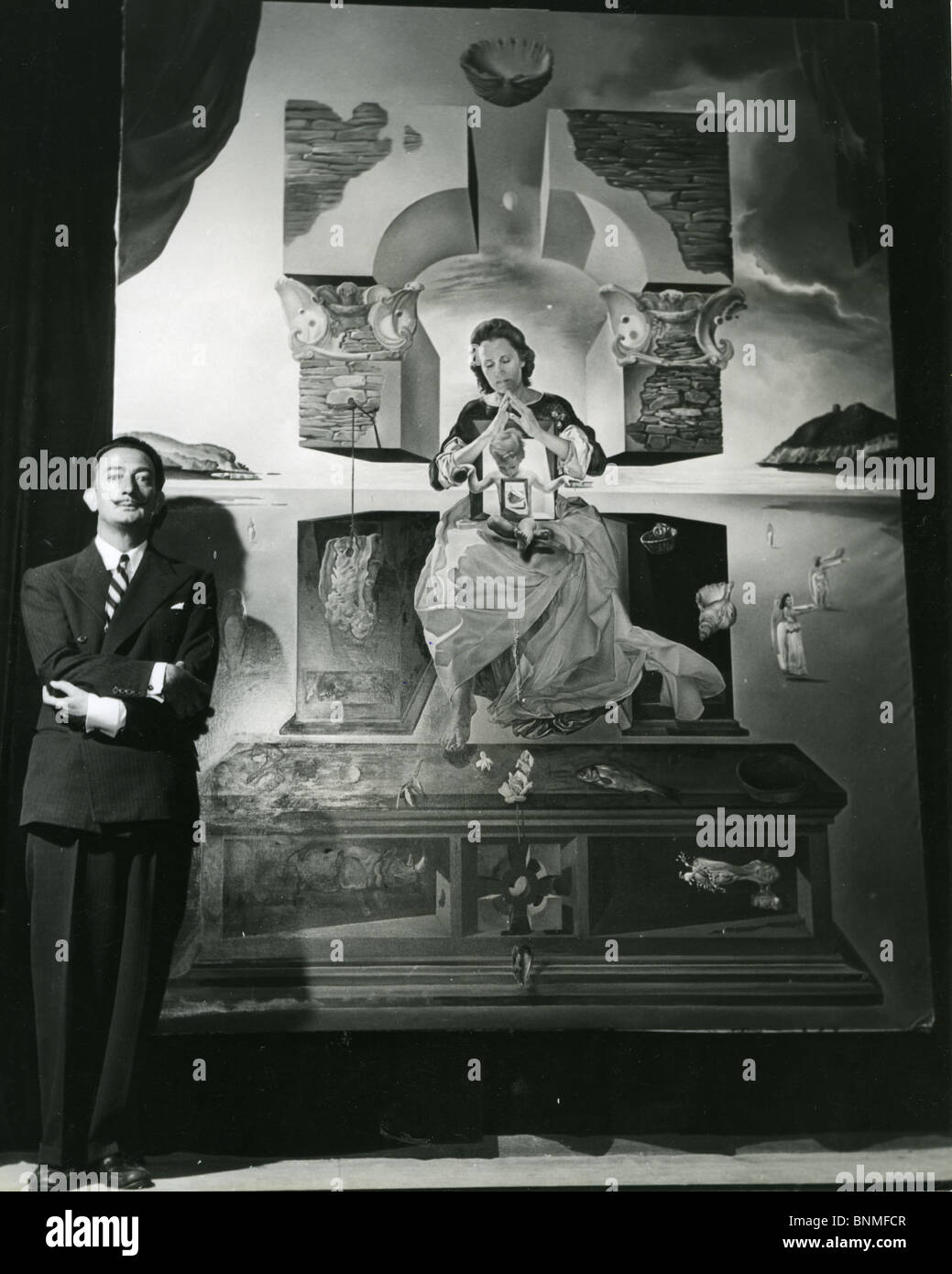 SALVADOR DALI  (1984-89) Spanish artist with his Madonna painting for which his wife Gala was he model Stock Photo