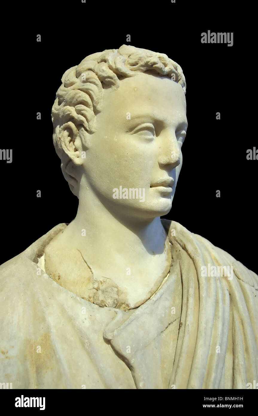 beautiful; elegant; white; sculpture; carve; carving; sculpted; statue; classic; ancient; greek; greece; esthetic; - Stock Image