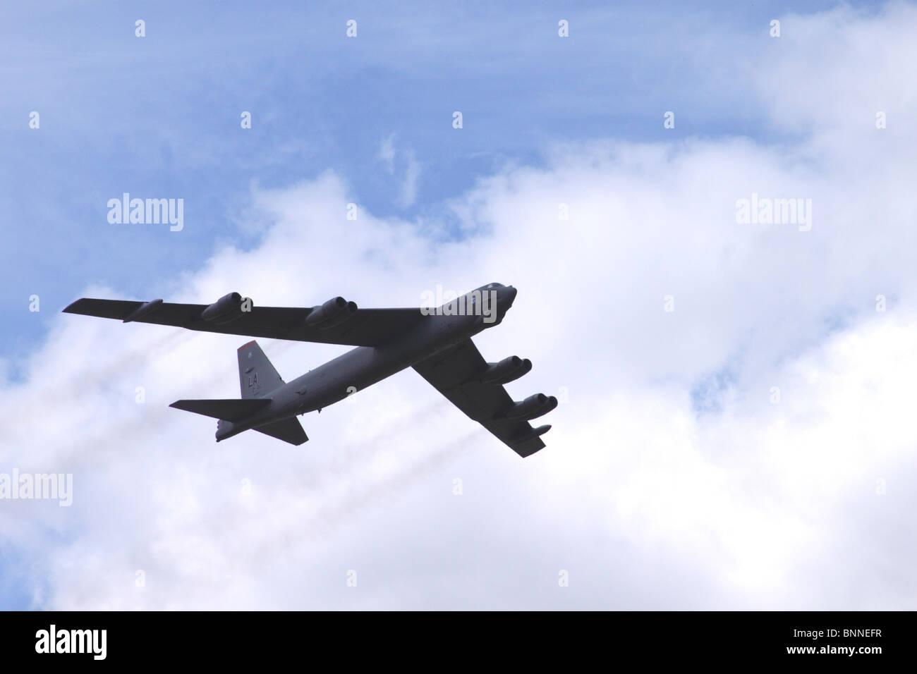Boeing B52 Stratofortress strategic bomber flying at Farnborough Airshow 2010 Stock Photo