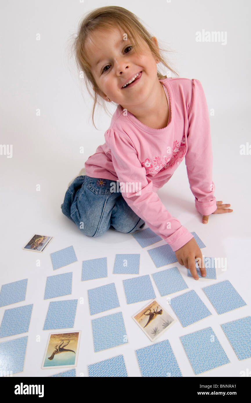 Child girl child pre-school age kindergarten age play memory memory learn learn knowledge mind intelligently intelligence - Stock Image