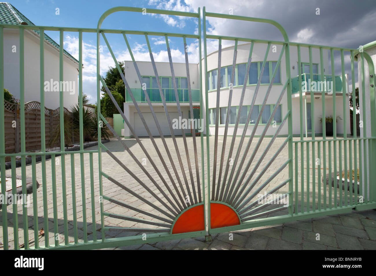 Art Deco Tegels : Art deco house stock photos & art deco house stock images alamy