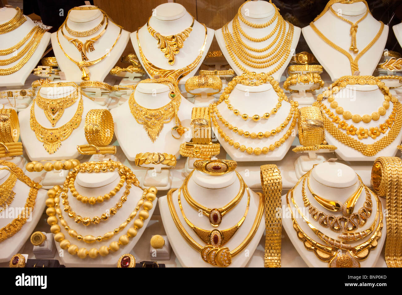 Turkish Gold Jewellery Stock Photos & Turkish Gold Jewellery Stock
