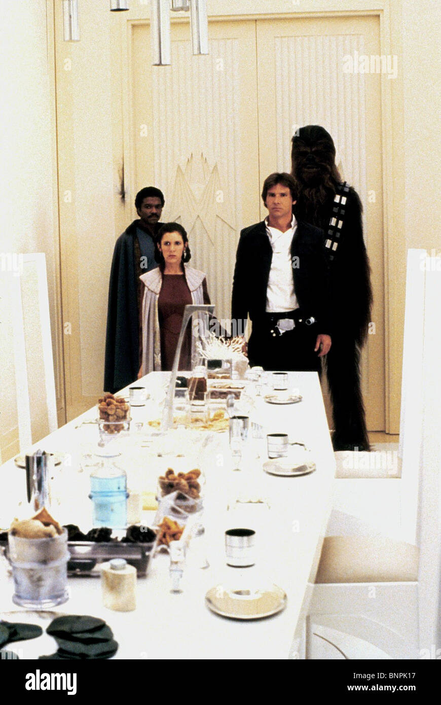 BILLY DEE WILLIAMS CARRIE FISHER HARRISON FORD PETER MAYHEW (CHEWBACCA) STAR WARS: THE EMPIRE STRIKES BACK; STAR - Stock Image