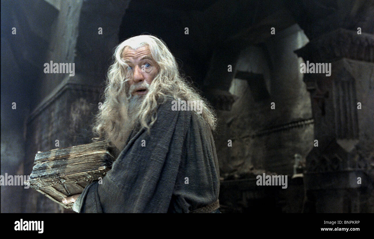 SIR IAN MCKELLEN THE LORD OF THE RINGS: THE FELLOWSHIP OF THE RING (2001) - Stock Image