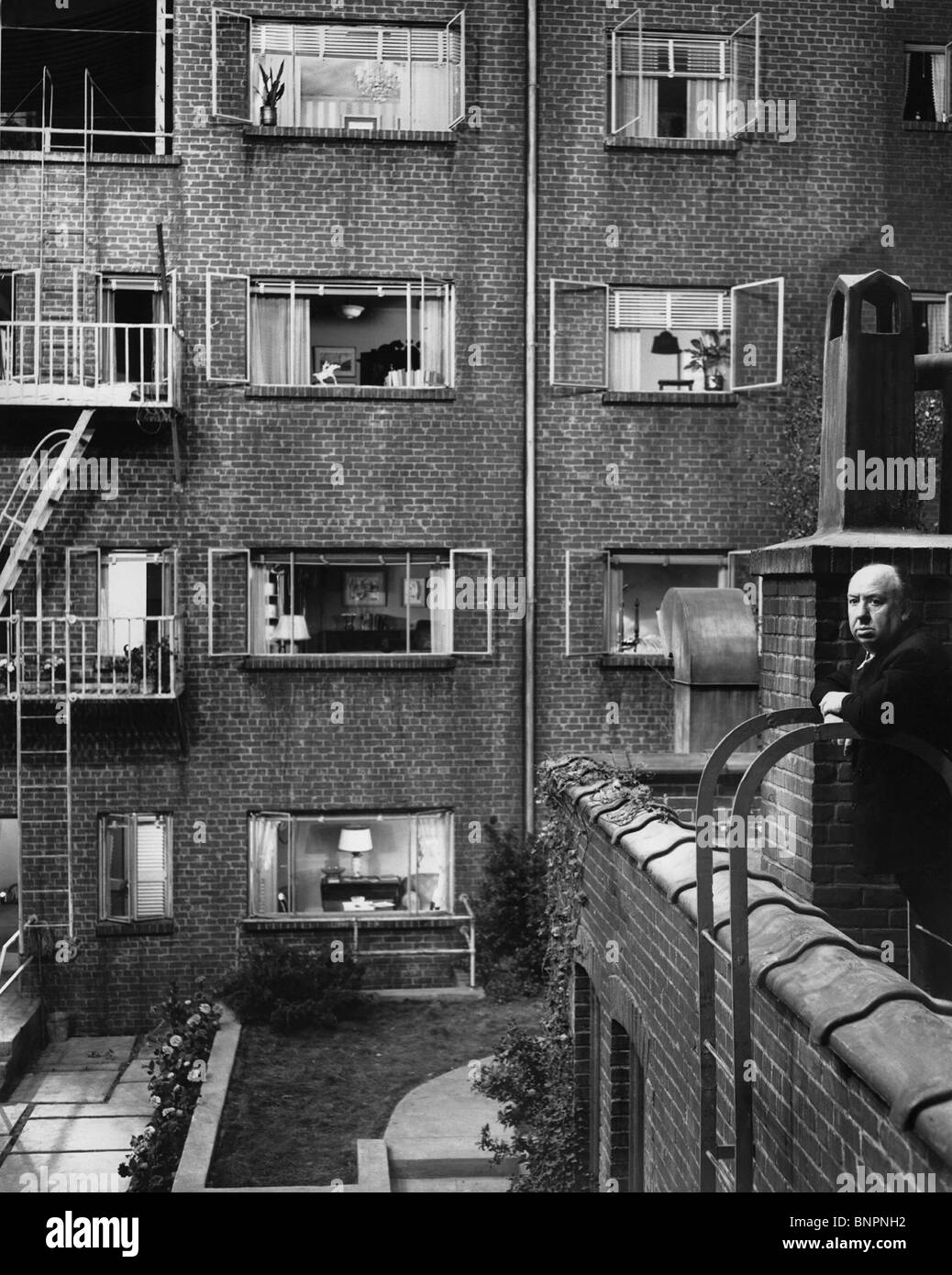 ALFRED HITCHCOCK REAR WINDOW; (1954) - Stock Image