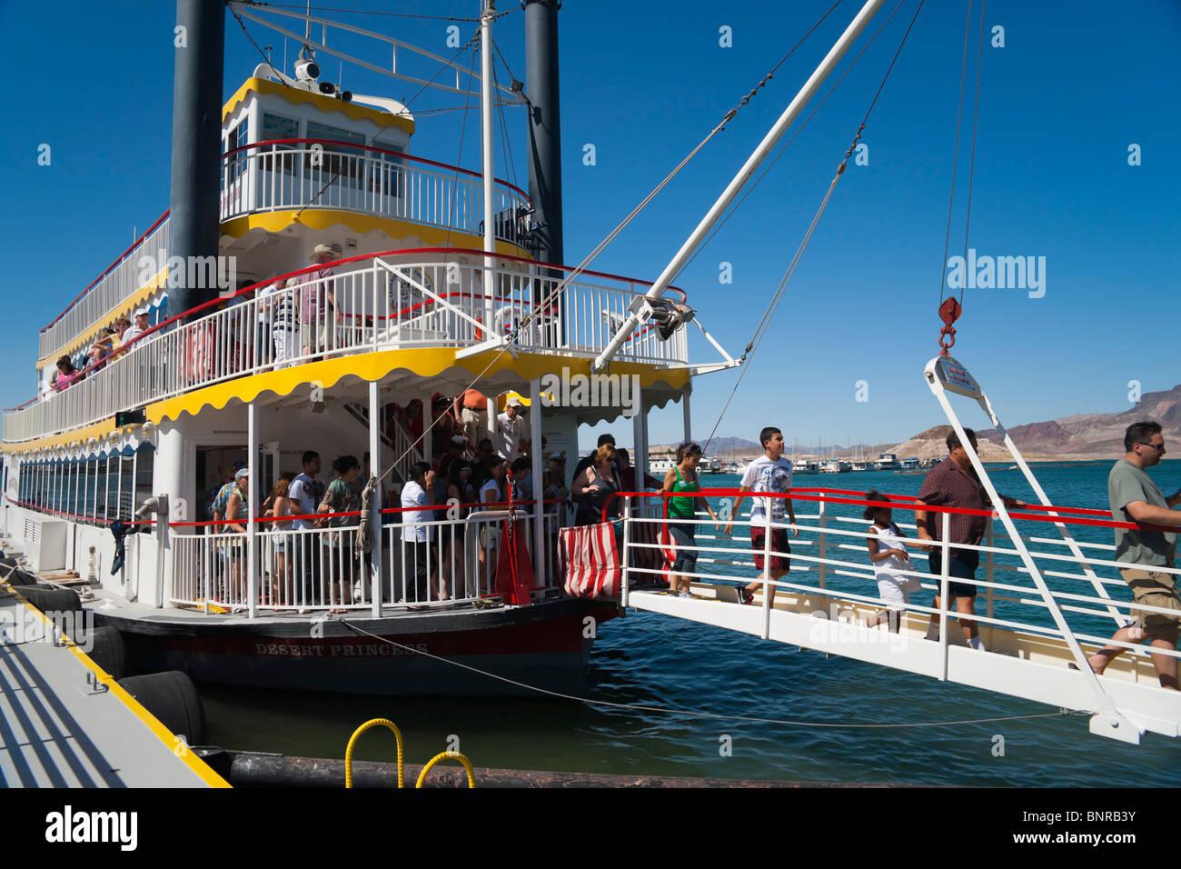 USA Nevada - Lake Mead excursion paddle boat Desert Princess, passengers disembarking. Stock Photo