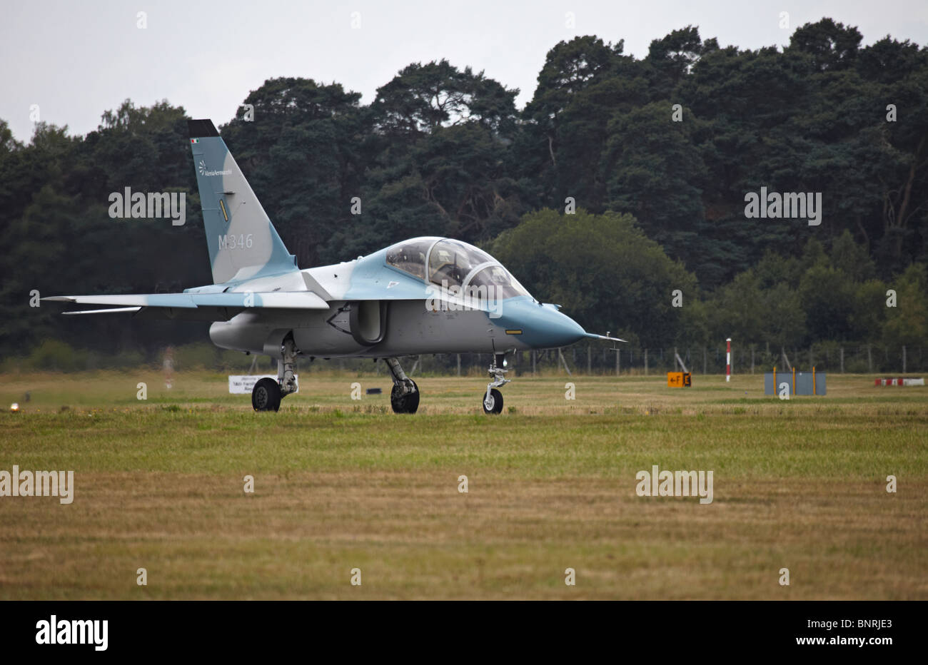 Farnborough Alenia Aermacchi M-346 take off - Stock Image