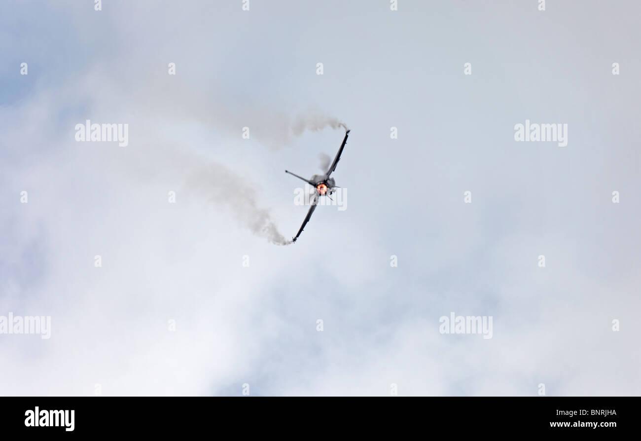 Farnborough Lockheed Martin F-16C Fighting Falcon after burner - Stock Image