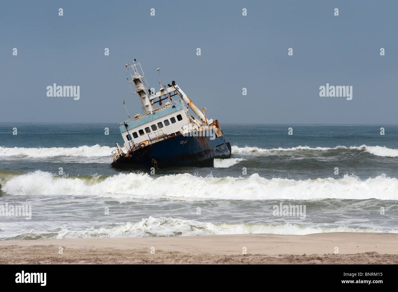 Fish trawler stranded at Hentiesbaai Namibia - Stock Image