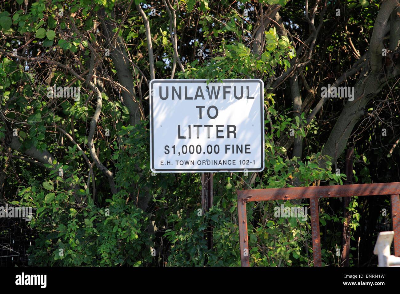 No littering sign Long Island NY - Stock Image