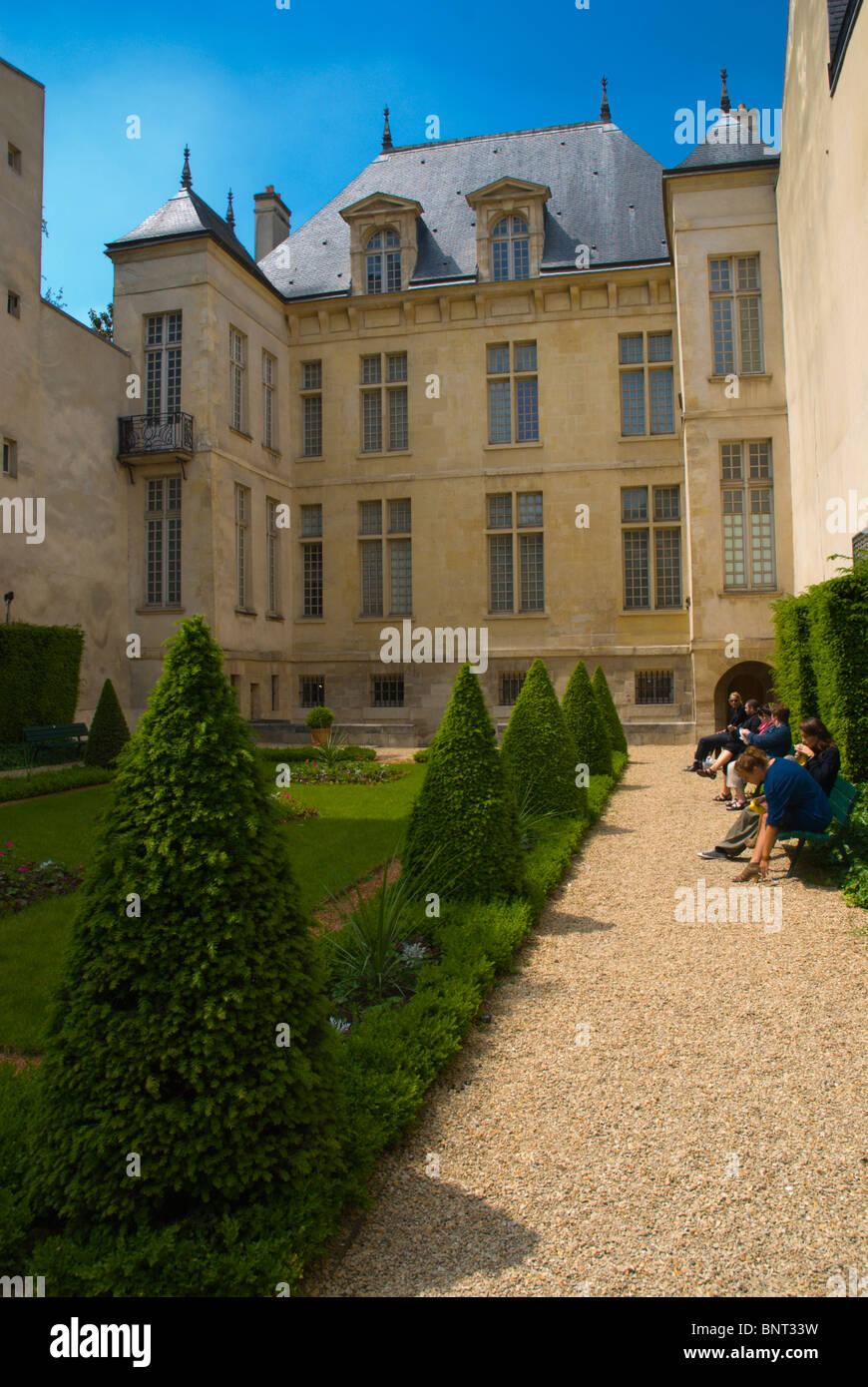 Jardin de Hotel Donon garden Le Marais district central Paris France Europe - Stock Image