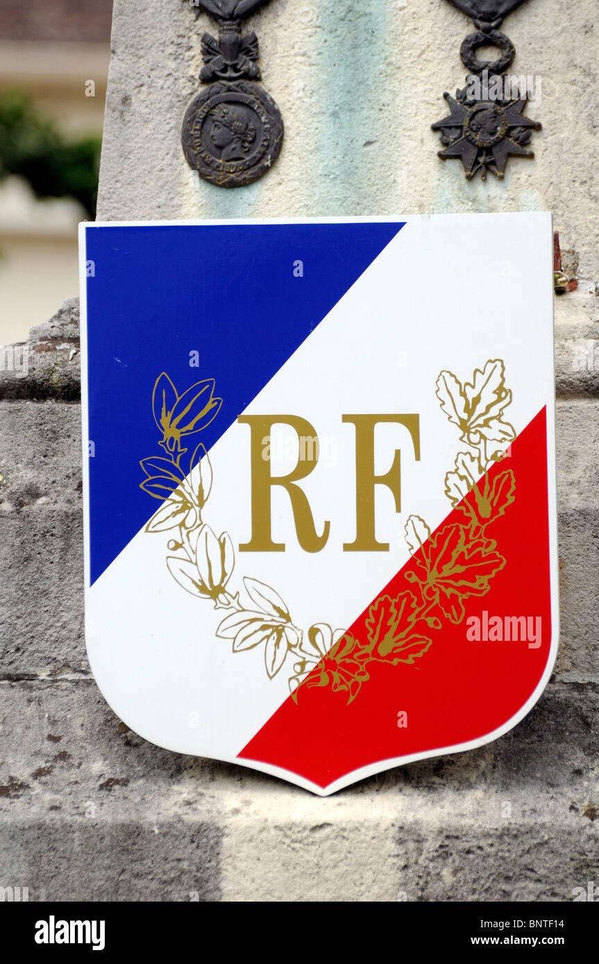 République Française RF cypher on war memorial in small French town of Saint-Leu-d'Esserent - Stock Image