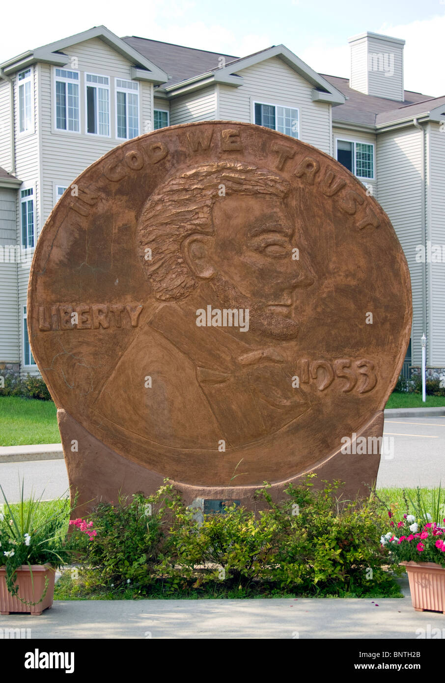 Giant Penny in Woodruff Wisconsin - Stock Image