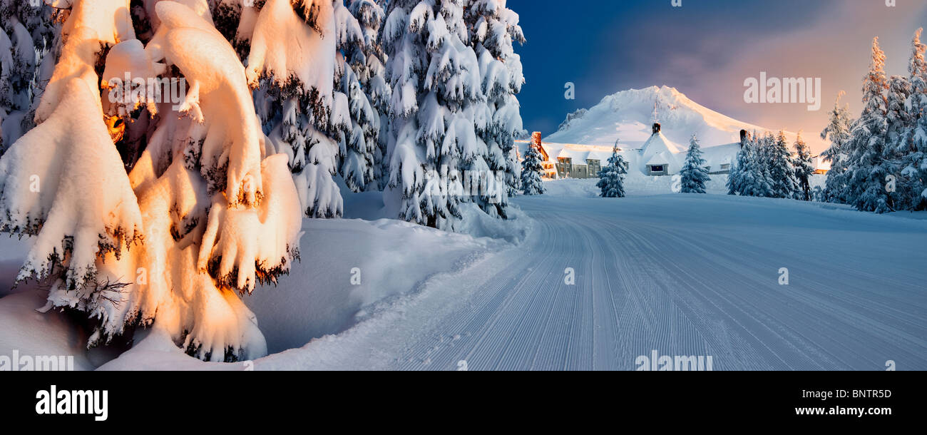 Timberline Lodge and Mt. Hood with ski run after heavy new snow. Oregon - Stock Image