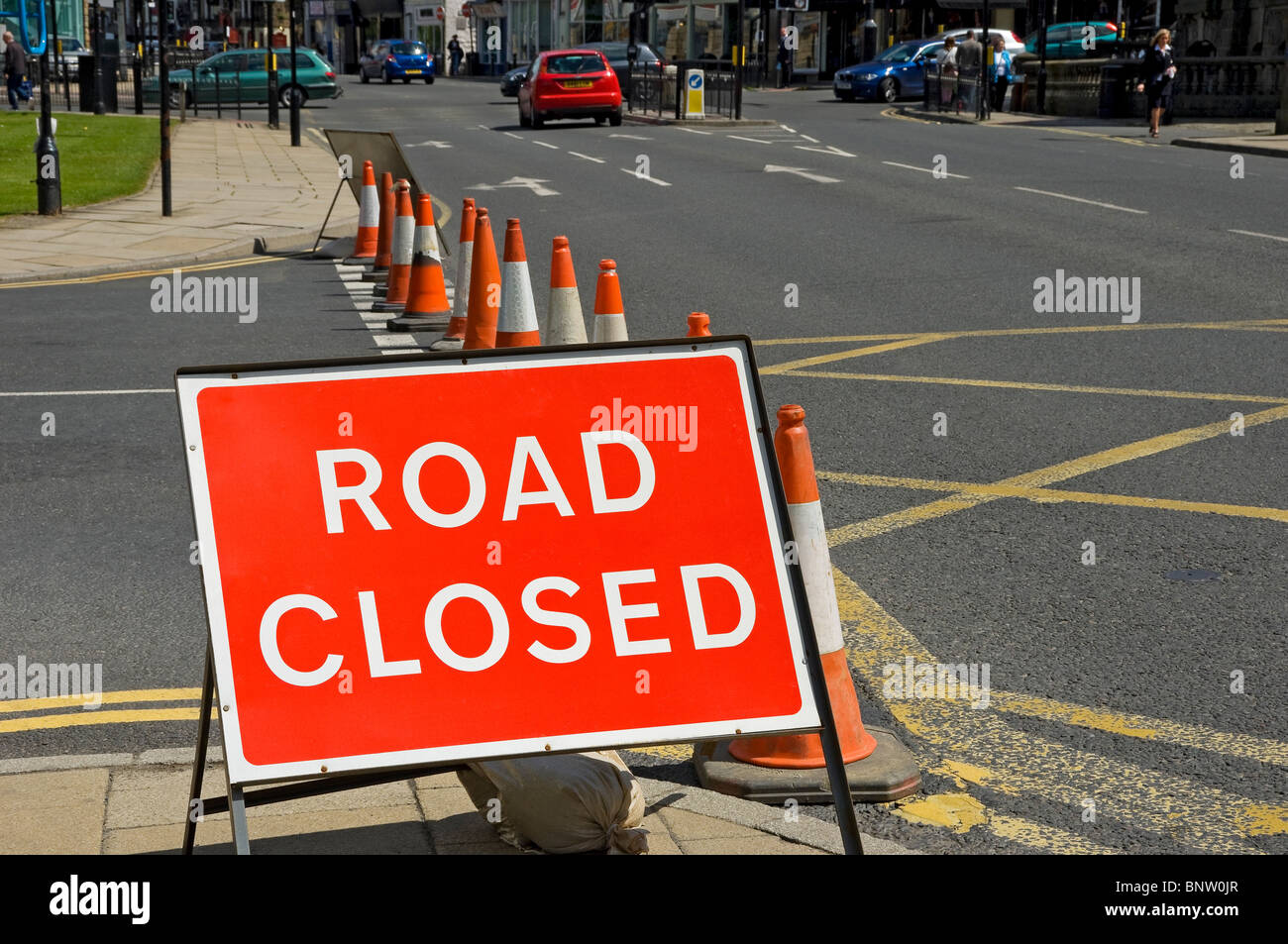 Road closed sign and Traffic Cones Harrogate North Yorkshire England UK United Kingdom GB Great Britain - Stock Image