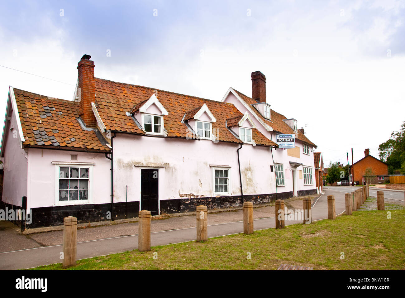 The closed public house the King's Head Pullham St Mary Norfolk - Stock Image