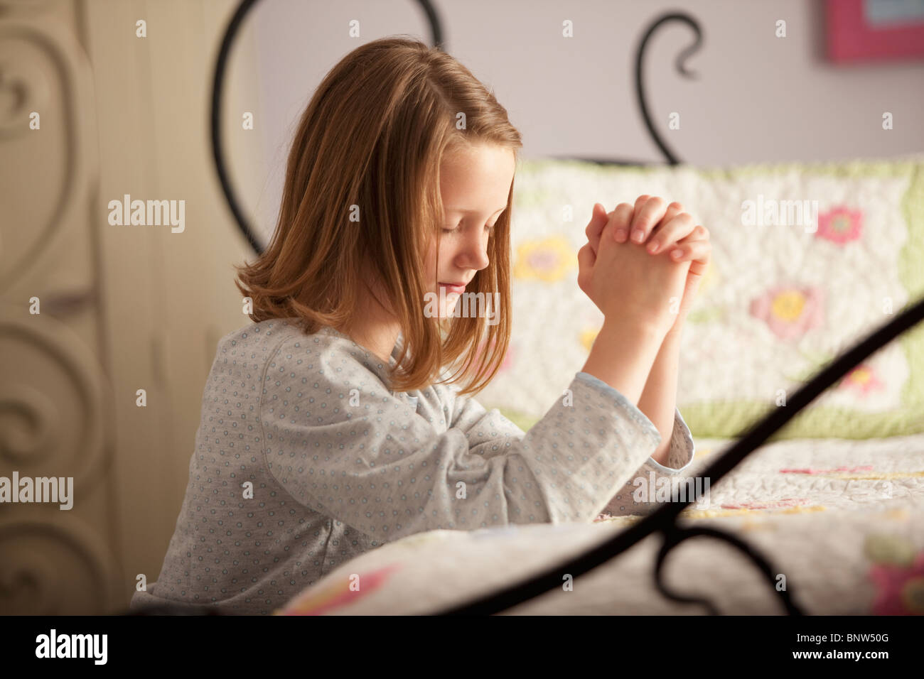 Young Girl Praying In The Park Photo Premium Download