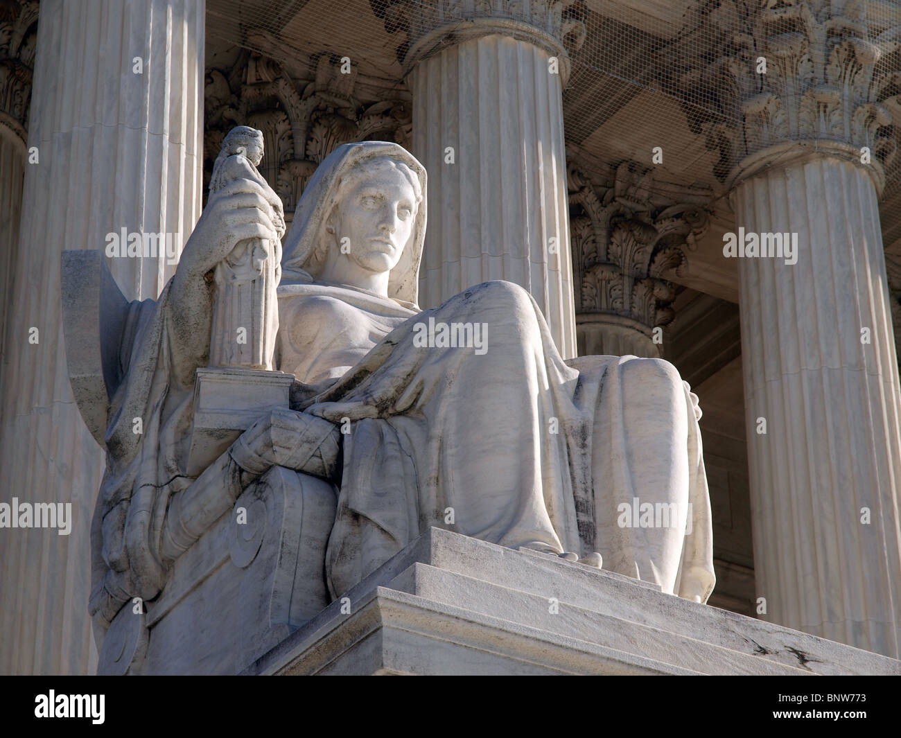 Historic United States Supreme Court Building Statue, entitled 'Contemplation of Justice'. - Stock Image