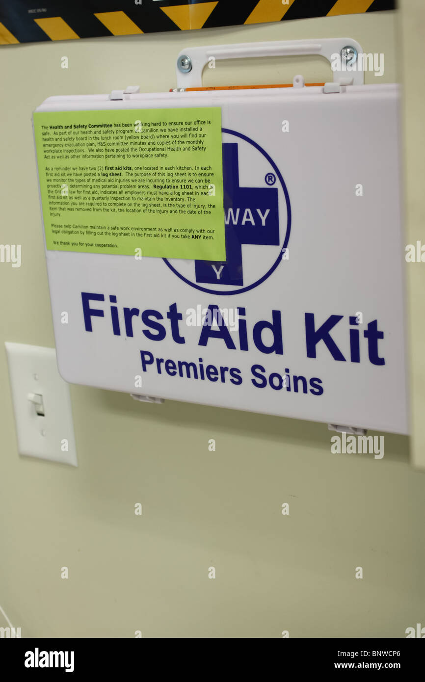 small first aid kit Stock Photo: 30676974 - Alamy
