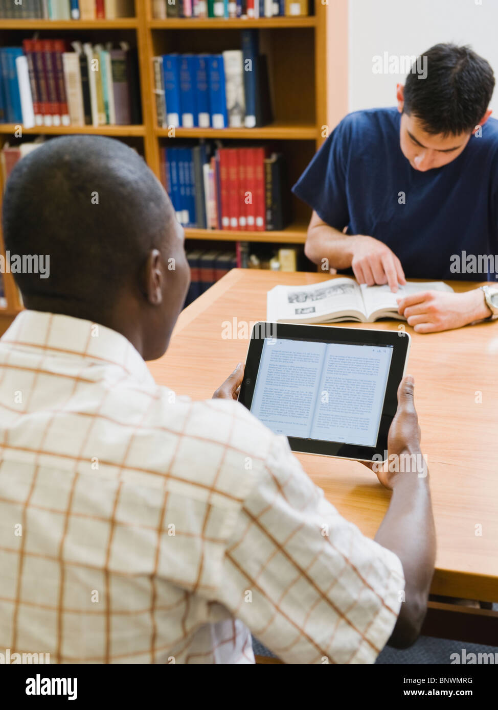 College students in library - Stock Image