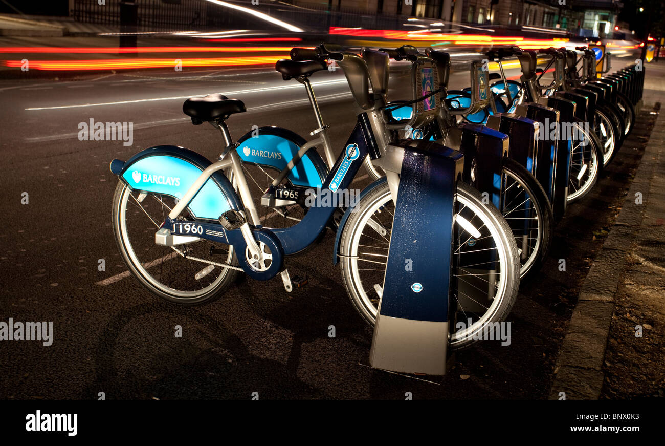 Futuristic docking station as part of the new London's Barclay's bicycle hire scheme, England, UK. (Light - Stock Image