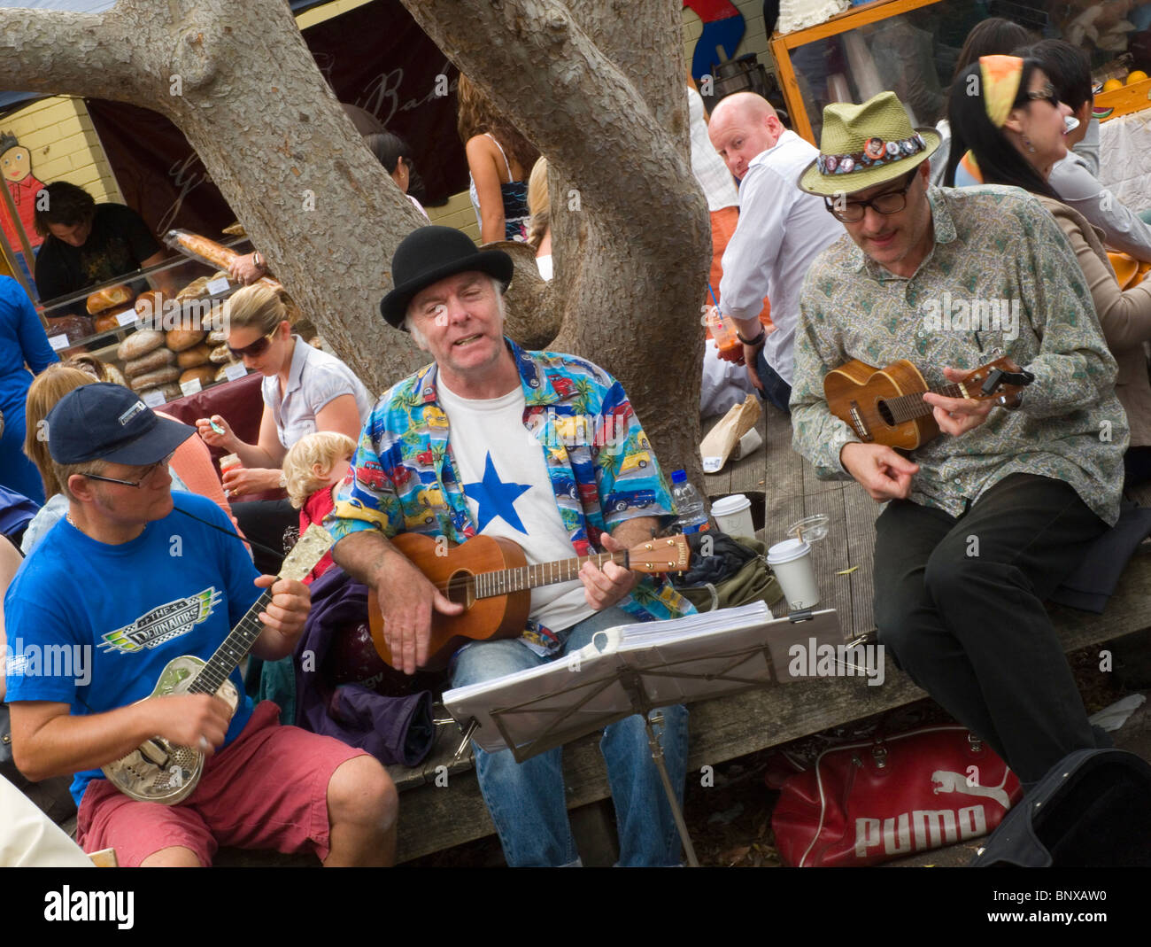 Busking musicians at the Paddington Markets. Sydney, New South Wales, AUSTRALIA - Stock Image
