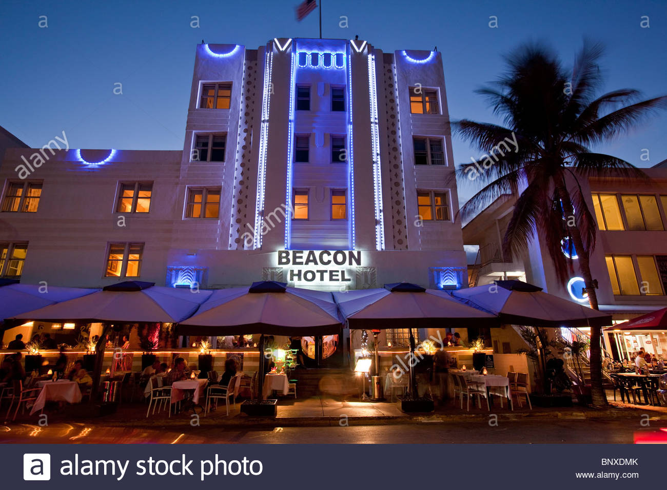 beacon hotel art deco hotel ocean drive south beach. Black Bedroom Furniture Sets. Home Design Ideas