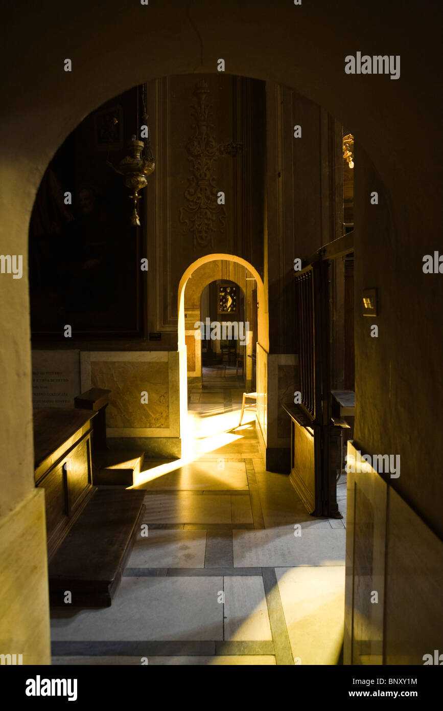 Arched doorways in corridor - Stock Image