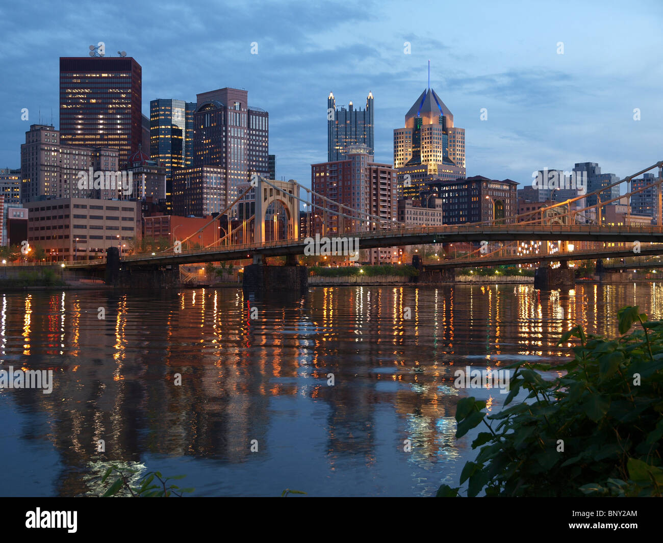 Pittsburgh Pennsylvania and the Ohio River at dusk. - Stock Image