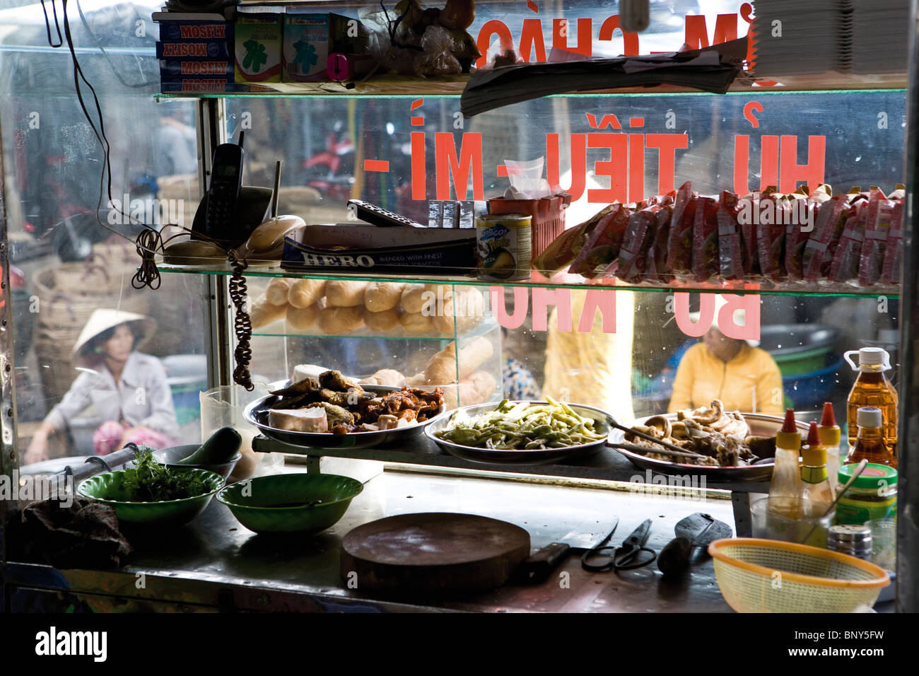 Restaurant kitchen in Cai Rang quarter of Can Tho city, Vietnam - Stock Image