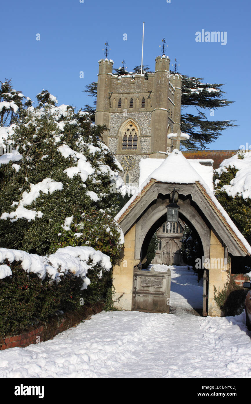 St Mary's Church, Hambleden village in the snow, Chiltern Hills, Buckinghamshire, England, UK - Stock Image