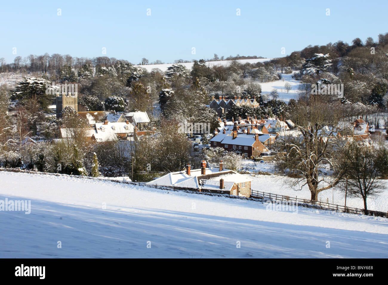 Hambleden village in the snow, Chiltern Hills, Buckinghamshire, England, UK - Stock Image