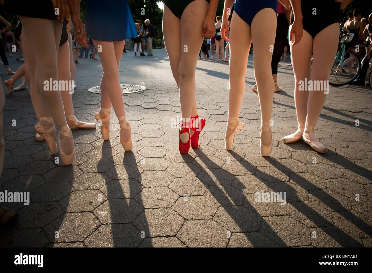 Hundreds of ballerinas gather in Central Park in New York for the the 'Most Ballerinas En Pointe'. - Stock Image