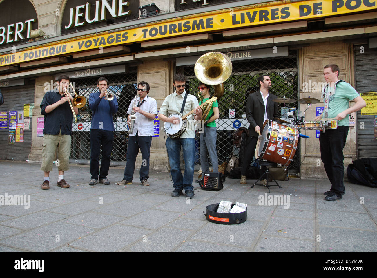 buskers in Quartier Latin Paris France - Stock Image