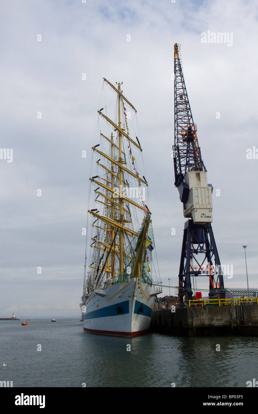 Hoisted Sails Stock Photos Images Alamy Tall Ship Rig Types Plate 4 Sts Mir At Hartlepool 2010 Ships Race Village And Marina Teesside North