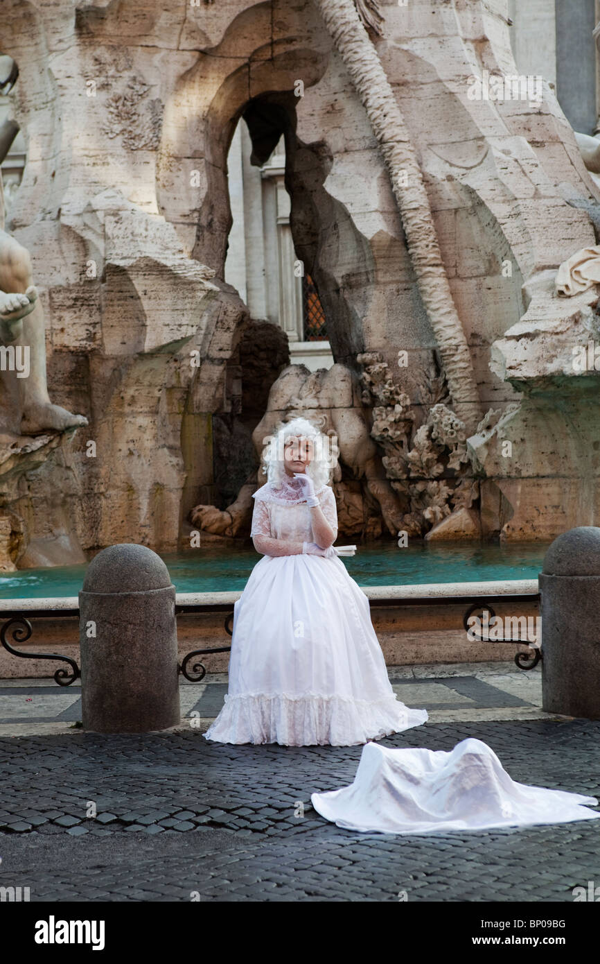 Mime by the Neptune fountain in Piazza Navona, Rome, Italy - Stock Image