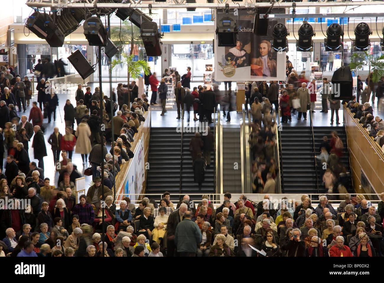 France, Pays de la Loire, Loire Atlantique, Nantes, cité des Congrès, crowd in hall Stock Photo